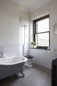 Bathrooms With Subway Tile Ideas by Best 25 White Tiles Black Grout Ideas On Pinterest Outside