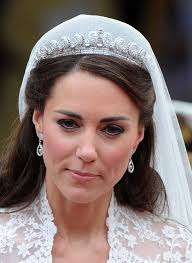 kate middleton wedding tiara duchess kate s wedding tiara goes on display canada
