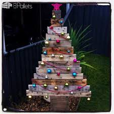 Christmas Decorations For Trees by 40 Pallet Christmas Trees U0026 Holiday Decorations Ideas U2022 1001 Pallets