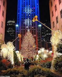 lighting of the tree rockefeller center 2017 new york christmas quite magical new york city pinterest