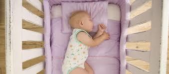 quand mettre bébé dans sa chambre où faire dormir bébé psychologies com