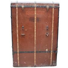 Bad photos large german traveling wardrobe suitcase with leather