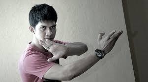 aktor film laga terbaik indonesia biografi iko uwais aktor laga indonesia