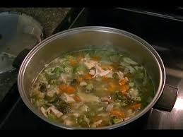 how to make turkey soup from thanksgiving leftovers