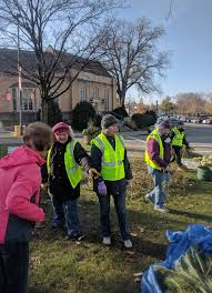 garden club dresses bridge square for winter news southernminn com