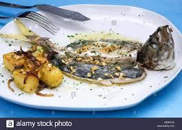 la cuisine au four mackerel au four with baked potatoes cuisine luis