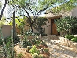 Desert Landscape Ideas by Best 25 Landscaping Las Vegas Ideas On Pinterest Succulent