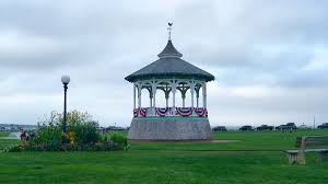 favorite things to do in oak bluffs ma new england today