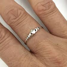 what is a friendship ring best 25 claddagh ideas on heart ring