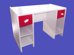 bureau enfant en pin bureau d enfant mp 447 hazovato madagascar