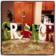 wood christmas craft the grinch you can find this awesome craft