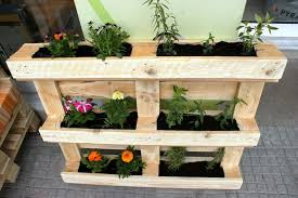 Vertical Flower Bed - 25 vertical and box recycled pallet planters pallet furniture diy