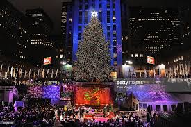 photos et images de rockefeller center christmas tree lighting