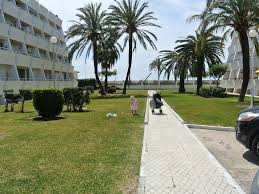 very nice apartment on the beach in caleta de velez a 5 mil east
