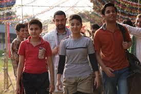 dangal movie review aamir khan u0027s christmas gifts for audience