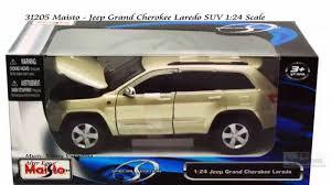 jeep cherokee toy 31205 maisto jeep grand cherokee laredo suv 124 cale diecast