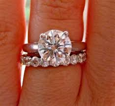 solitaire engagement ring with wedding band the wedding band perfectly compliments the solitaire