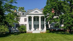 colonial mansion christie brinkley to sell 50 million worth of htons real estate