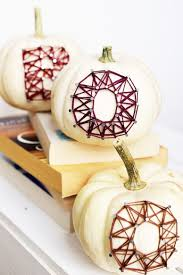 10 chic diy string art pieces for halloween shelterness