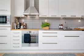 kitchen tiled splashback ideas one side kitchen decor wth silver tiled splashback to