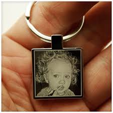 engrave gifts personalised photo engraved keychain