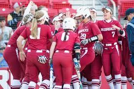 Arkansas traveling teams images Razorbacks pick up two wins in home debut arkansas razorbacks jpg