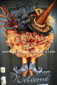 Deco Mesh Halloween Wreath Ideas by 139 Best Halloween Wreath U0026 Arrangement Images On Pinterest