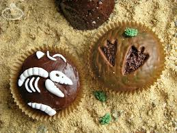 dinosaur cupcakes you ll dig these dino mite dinosaur cupcake toppers