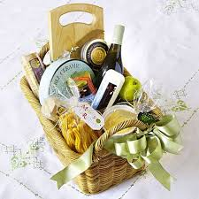 non food gift baskets best 25 wine gift baskets ideas on wine gifts wine