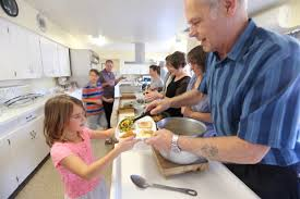 redlands church makes sure all a thanksgiving meal