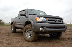 toyota tundra lifted 2 5in suspension lift kit for 99 06 toyota tundra 750 20 rough