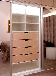 placard chambre réalisation transformez votre grenier en une chambre spacieuse