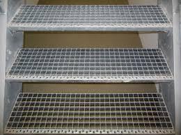 treppen bau metalle im treppenbau treppen materialien baustoffe