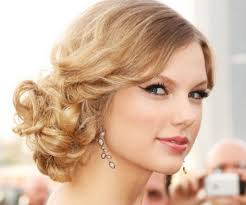 curly long hairstyles up
