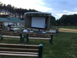 Backyard Movie Theatre by Outdoor Movie Theatre Picture Of Yogi Bear U0027s Jellystone Park