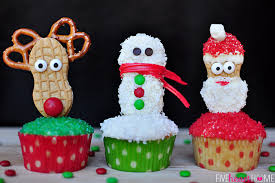 28 adorable cupcakes to bake for christmas recipes for christmas