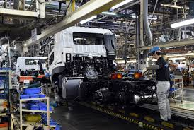 mitsubishi truck 2015 despite signs of recovery japanese manufacturers resist abe u0027s
