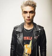andy biersack with blonde hair rockin the blonde hair andy biersack andy black oe la la 3