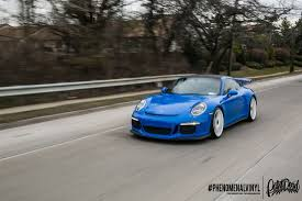 porsche gt3 rs wrap 991 gt3 gloss blue full wrap pics and moving shots rennlist