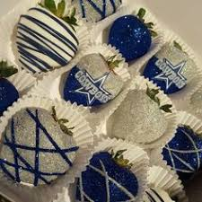 where to buy chocolate covered strawberries locally dallas bakery sells cowboys themed chocolate covered strawberries
