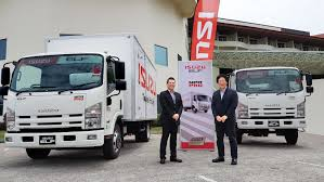 isuzu malaysia donates truck to mrcs for relief work lowyat net cars