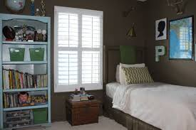 colors for small rooms painting small bedrooms dark colors glif org