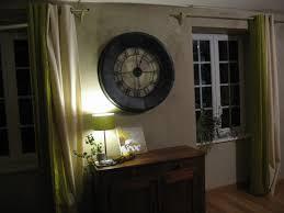 decoration maison bourgeoise explications pour aménager une déco maison horloge