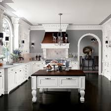 Gray Kitchen Cabinets Benjamin Moore by Best 25 Benjamin Moore Coventry Gray Ideas On Pinterest