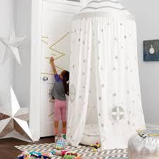 tente chambre enfant une cabane d intérieur pour rêver et sévader