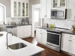 cuisine avec gaziniere cuisinière conventionnelle ou à commandes frontales laquelle choisir