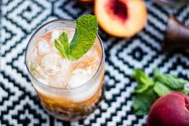 8 easy summer cocktails lows to luxe