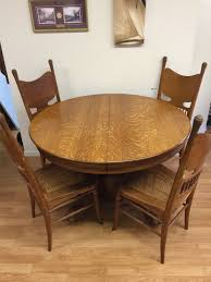 antique round dining table enchanting victorian round dining table with antique tiger oak and