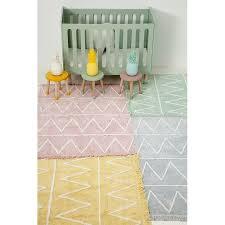 tapis chambre bébé garçon tapis lavable hippy vert coton avec franges chambre bébé canals