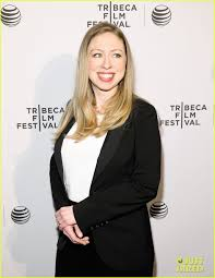 chelsea clinton engagement ring pregnant chelsea clinton hits red carpet after her big news